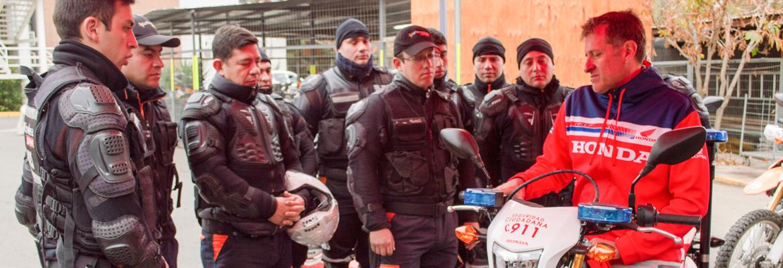 Patrulleros De Lo Barnechea Reciben Capacitación En Conducción De Motocicletas