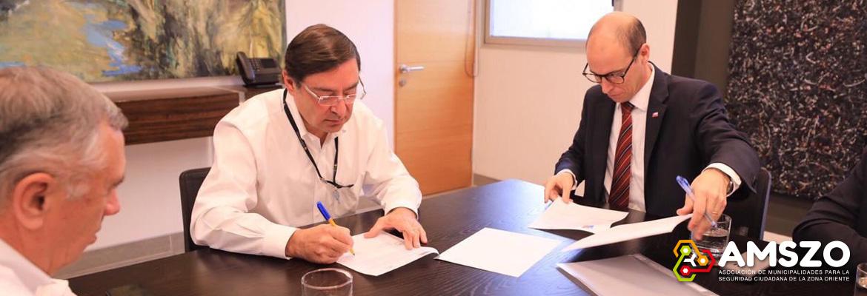 AMSZO Firma Convenio De Seguridad Ciudadana Con Gobierno Regional De Ñuble
